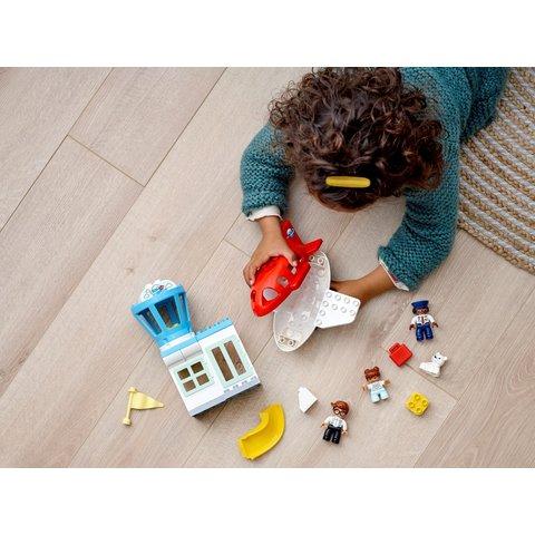 Конструктор LEGO DUPLO Самолет и аэропорт 10961 Превью 10